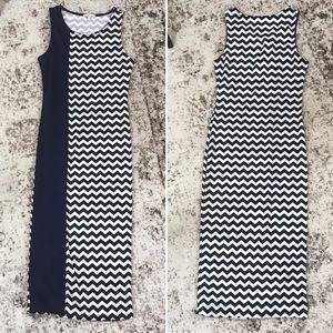 Charlotte Russe Body-con Navy White Chevron Dress